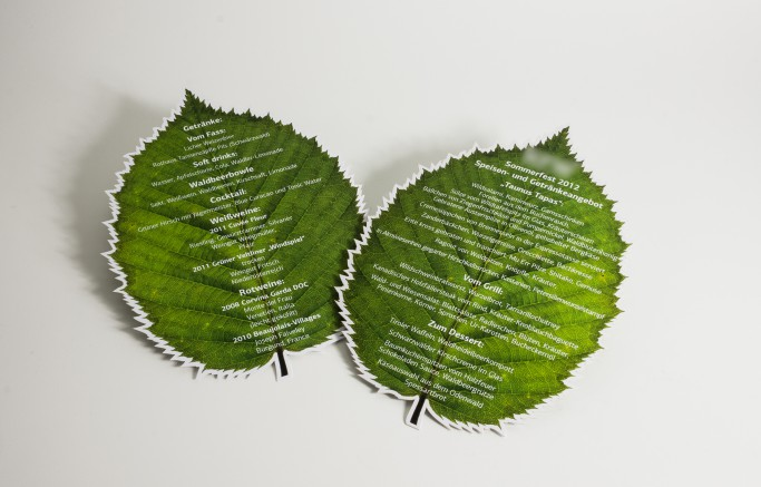 Lindenblatt im Digitaldruck, anschließend filigrane Laserung