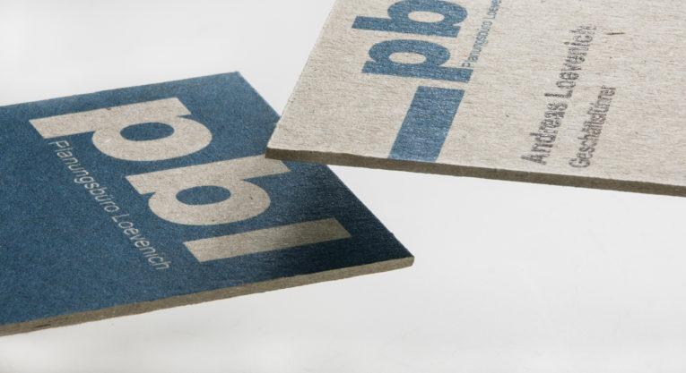 Visitenkarten auf Graukarton im Wunschformat