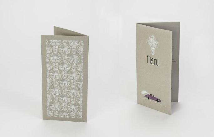 Menükarte aus Graupappe, digitaler Siebdruck in weiß