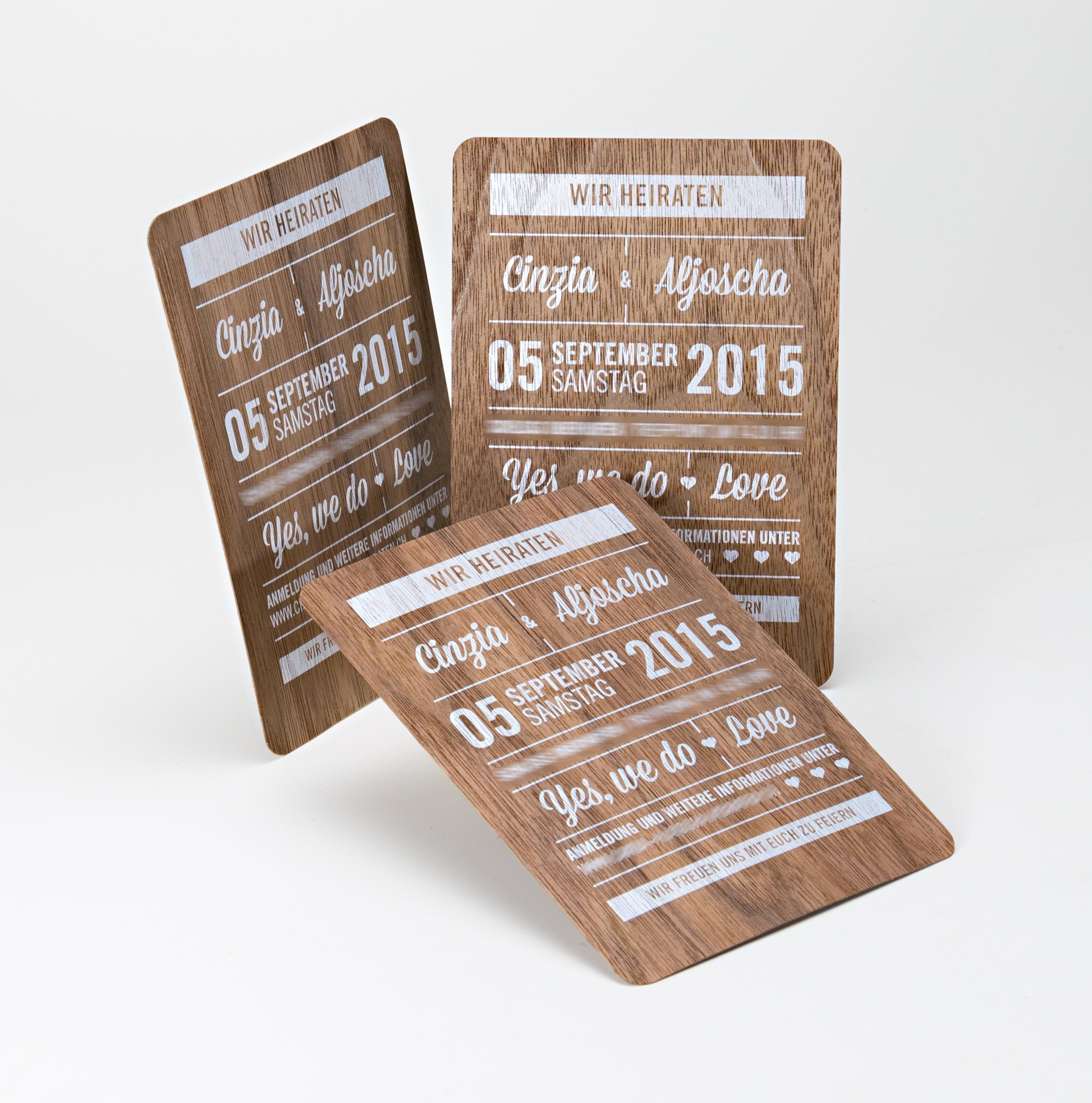 Individuelle Einladungskarten Zur Hochzeit U2013 Weißer Druck Auf Dunklem  Echtholzfurnier   Tipps, Tricks Und Ideen Aus Dem Printweb.de Blog