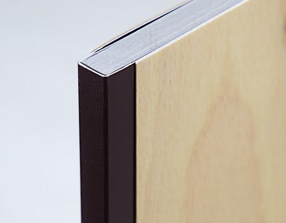 665-Broschüre Furnierumschlag-3126--1-1