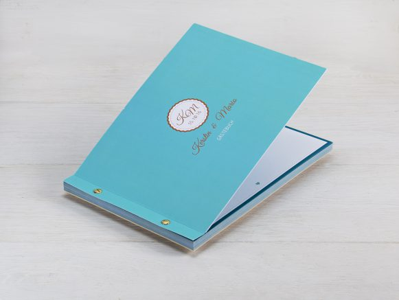Broschüre mit Buchschraubenbindung